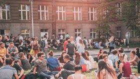 """""""Nový"""" vysokoškolský kampus v Dejvicích: Proměny umožní konání koncertů a výstav"""