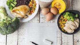 Chcete jíst víc a přitom hubnout dál? Reverzní dieta to umí!