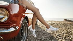 Roztomilé tenisky na léto: Zachrání vás, když bude na sandálky zima