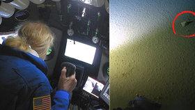 Igelitové pytlíky našli i 11 kilometrů pod mořem. Válí se v Mariánském příkopu