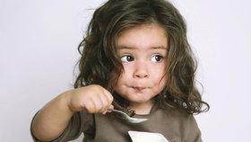 Nechce jíst? Dítě do jídla nenuťte! Mohli byste mu jídlo zprotivit