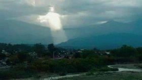 Na nebi se zjevil Ježíš: Výjimečný světelný úkaz vyrazil dech Argentincům