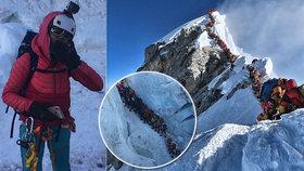 """Překračování mrtvých kolegů na Everestu není všechno: """"Vypadá to tam jak v zoo!"""" říká horolezec"""
