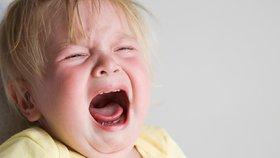 Dívka (†3) spadla do hrnce s kari! Kuchař si toho nevšiml, protože měl sluchátka na uších