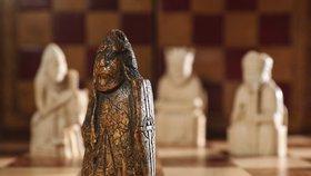 Šachová figurka v šuplíku měla cenu milionů: Vyřezal ji Viking?