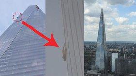 Muž bez jištění šplhal na 300metrový mrakodrap v Londýně. Zasahovala policie