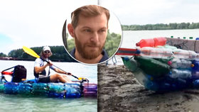 Tomáš sjel Dunaj v kanoi z plastových lahví: Chtěl tak upozornit na problémy s odpadky