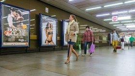 Praha skoncuje s reklamou, která není součástí mobiliáře. Nelegální nechá odřezat, ostatním vypoví smlouvu
