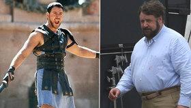 Z Gladiátora Špekanátorem? Panděro a cigárko v puse předvedl herec Crowe!