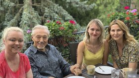 Nemocný Karel Gott (80) měl důvod k radosti: Všechny dcery pohromadě!