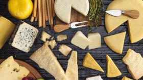Sýr vhodný na gril? Báječný je halloumi, hermelín i oštěpek. Ochutnejte 3 skvělé recepty