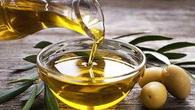 Olivový olej není skvělý jen v kuchyni. Umí zázraky v celé domácnosti