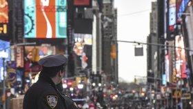 Panika v New Yorku: Tisíce lidí vyděsil rachot motorek, báli se dalšího střeleckého masakru
