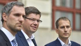 Neustálé hádky koaličních partnerů na magistrátu: Udrží Piráti Prahu?