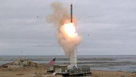 Američané otestovali donedávna zakázanou raketu. Má to být výstraha Rusům