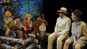 Divadelní loď Tajemství bratří Formanů láká na Aladina či Zločin v Posázavském pacifiku!
