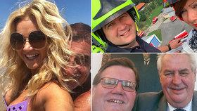 Selfie mánie politiků: Babišovi u moře, Maláčová ve speciálu, Hamáček se Schillerovou