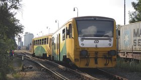 V Dobřichovicích vykolejil vlak. Spoje z Prahy dojížděly pouze do Radotína