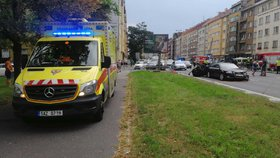 Hromadná nehoda si vyžádala tři zraněné: V ulici 5. května se štosují kolony
