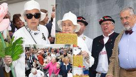 Meda Mládková oslavila 100 let! Schwarzenberg se motal kolem dortu, Pospíšil organizoval