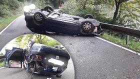 Těhotná řidička (36) předjížděla náklaďák v zatáčce: Převrátila se a skončila na střeše!