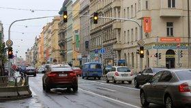 Praha za stovky milionů vykoupí pozemky pod křižovatkami. Kvůli plynulosti dopravy