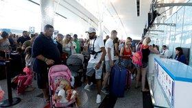 Češi a krach cestovky Thomas Cook: Rušení zájezdů začalo. Podraží dovolená?