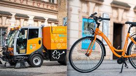 Popeláři na elektřinu: Po Praze jezdí další ekologické vozy a dokonce i jízdní kola