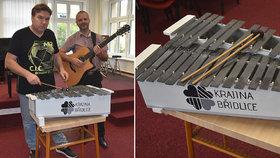 Jediný na světě! Hudebníci z Oder vytvořili xylofon z břidlice a hraje krásně