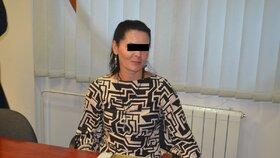 Zklamala rodiče: Matka měla týrat zaostalého a obézního syna, s dalšími dětmi kradla
