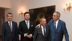 Zeman zůstal sám, k oduznání Kosova další ústavní činitele nepřesvědčil