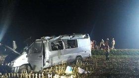 Ranní krveprolití v Rusku: Po čelní srážce minivanu s dodávkou nejméně 8 mrtvých!