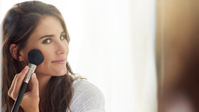 Test tvářenek: Která se na pleť dobře nanáší a vydrží celý den?