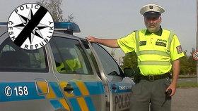 Zemřel nejoblíbenější pardubický policista: Karel prohrál boj o život po týdnu v nemocnici