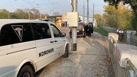 Tragický konec pátrání: Stařenku našli mrtvou ve Vltavě, měla psychické problémy