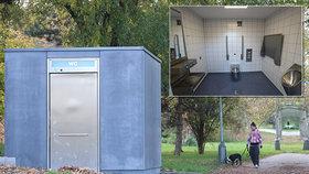 Veřejný záchod za 3,5 mega! Praha 6 zaplatila za plechovou boudu jako za garsonku v hlavním městě