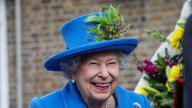 Co se to s ní stalo? Alžběta II. porušila protokol a všem vyrazila dech!