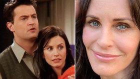 Monica z Přátel vyrazila po letech na rande s Chandlerem! Ukázali romantické selfie