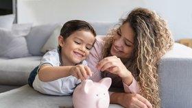 Naučte dítě šetřit. Kolik peněz potřebuje školák?