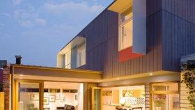 Úžasné! Rodina si na dvorku postavila domov z recyklovaných materiálů