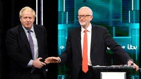 Brexit bude na konci ledna, řekl Johnson v debatě lídrů. Nesmysl, vysmál se mu Corbyn