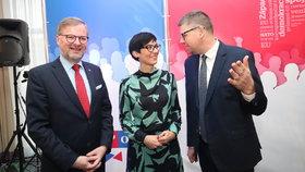 Zbrojení proti Babišovi. Opozice na sněmu TOP 09 spřádala plány těsné spolupráce