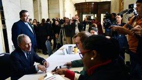 Proti Trumpovi se hlásí další muž. Bloomberg oznámil kandidaturu na prezidenta