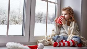 Táhnou vám v zimě okna? Jak na to, abyste neprotopili tisíce