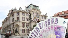 """Konec tantiém: Představitelé firem v majetku hlavního města se spokojí už """"jen"""" s měsíční odměnou"""