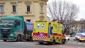 Hrozivá nehoda v Pacově: Auto srazilo čtyři ženy!