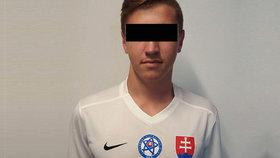 Fotbalista Adrián (†17) se zabil skokem ze 7. patra. Rodina a kamarádi ronili na pohřbu slzy
