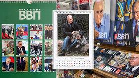 """Putin v novém kalendáři: Holou hruď, pušku či prut vystřídala zvířátka a """"kravaťáci"""""""