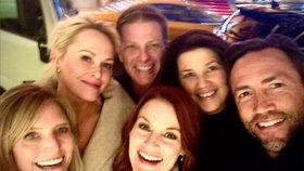 Návrat do devadesátek? Hvězdy Melrose Place ukázaly společnou selfie!