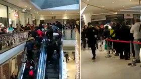 Slevové šílenství v Jablonci nad Nisou: Spaní před obchodem a vyvrácené dveře!
